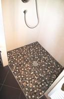 mosaikboden dusche raum und m beldesign inspiration. Black Bedroom Furniture Sets. Home Design Ideas
